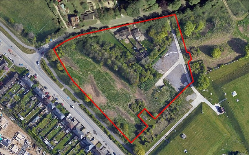 Red outline shows extent of plans for 37 homes at High Street Blunsdon